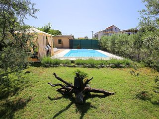 Stone villa with a pool for rent, Zadar area