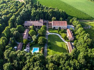 Villa B&B with a cook and swimming pool in the countryside near to Venice