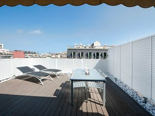 Lovely Penthouse Studio Apartment with big terrace in the city center - B122