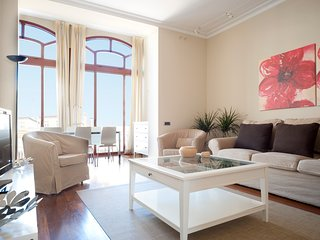 Gorgeous Apartment in Barcelona B338