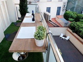 Beautiful  modern duplex in Barcelona apartment in the Plaza Catalunya - B330