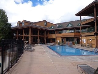 Ski Trip Days/Weeks or Summer/19! Fam Retreat - Resort Living - Remodeled!