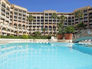 Cocooning appartement en centre ville, 50m plages, Cannes