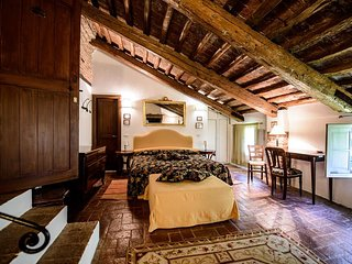 Comfortable bedroom in a farmhouse near to Venice