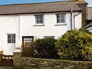 Cosy 2 bed Cornwall cottage near Bossiney Bay