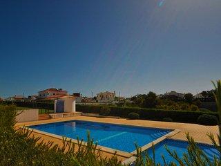 Vila Joia é ideal para famílias até 6 pessoas, está inserida num condomínio