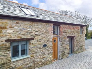 CHEWIDDEN, barn conversion, romantic, in Charlestown, Ref 955365
