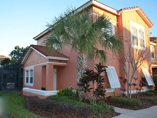Recently renovated (feb17) 4Bedroom & 3Baths condo with private pool