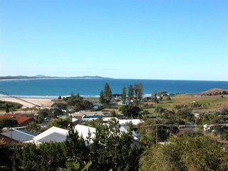 Awesome View Crescent Head