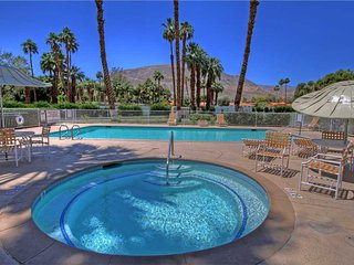Rancho Las Palmas-(R3008) Golf Here!! Pet Friendly Home, Rancho Mirage