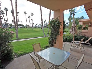 Great Condo & Location! Pet Friendly-Palm Valley CC (VY964)