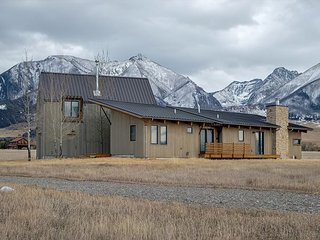 Modern Home with Yellowstone River access!, Livingston