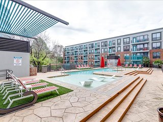 Red River Apartment Sleeps 6!