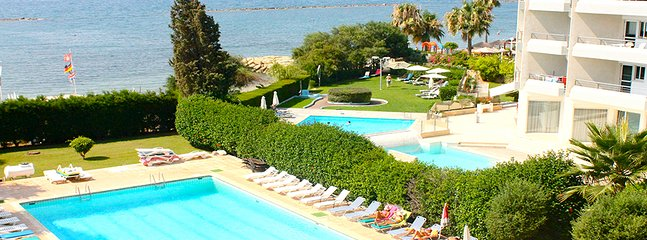 2b Eros seaview & pool apartment  - Miramare beach, Germasogeia