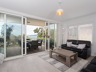 9 'Topdeck', 53 Ronald Avenue, Shoal Bay
