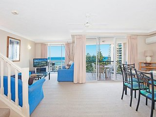 Luxurious 2 bedroom Penthouse apartment - Close top the Beach - 3, Broadbeach