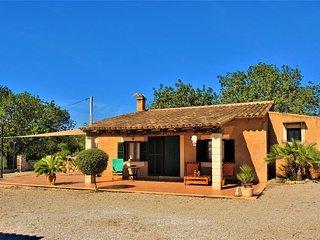 Casa de campo con gran piscina y babacoa, Sant Llorenc des Cardassar