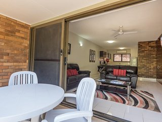 TWO BEDROOM TOWNHOUSE - Just steps from the beach - 8, Peregian Beach