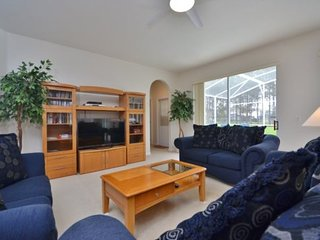 Gorgeous 6 Bedroom 4 Bath Pool Home Close to the Parks. 208NHD, Davenport
