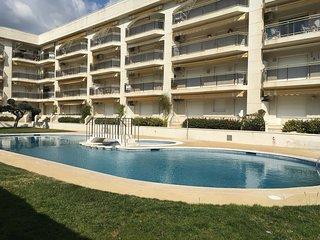 Apartamento con jardín privado en complejo con piscina a 20 metros de la playa
