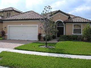 Mediterranean 4 Bedroom 3 Bath Pool Home in Villa Sorrento. 322VSC, Haines City