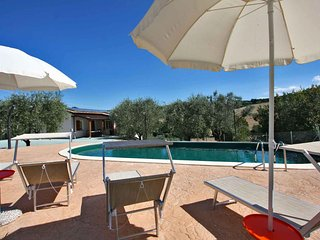 VILLA ROSA - Private Villa with Pool, wi-fi, beach 25Km, air-co, pet-friendly