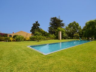 M08GC Amazing country house with 5000m2 of garden
