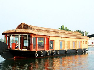 Four Bedroom Premium Houseboat