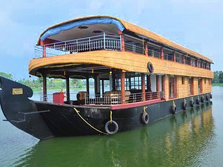 Five Bedroom Premium Houseboat