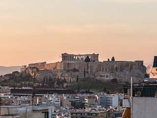 New 3Bdrm Apartment with Acropolis View in Athens, Atenas