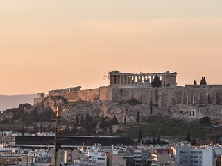 New 3Bdrm Apartment with Acropolis View in Athens