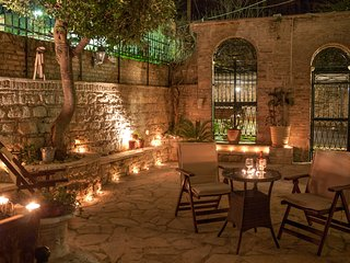 A warm summer night in the heart of Old Corfu Town