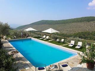 Pianciano- Casa del Cipresso- Ancient hamlet  with incredibly beautiful surroundings