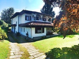 Luisa Villa on the sunny hills over Verbania