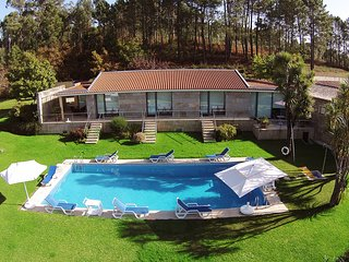 6 bedroom Villa with Pool, WiFi and Walk to Shops - 5718915