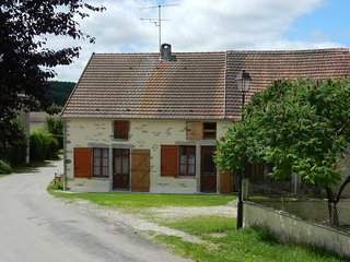 Comfortable Village Cottage in Burgundy's Wine Country near Beaune, Nolay