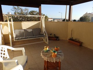 Nice & Sunny 3BR + Large Balcony + Easy to get to
