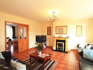 Killarney's Holiday Village - 4 bed house for 10