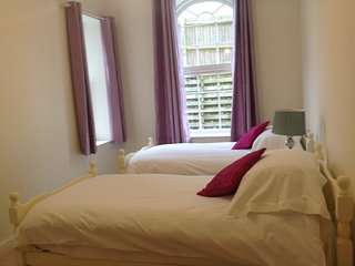 Beautiful modern fully equipped apartment, ideal for couples or families