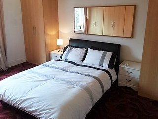 Birmingham Guest House 32, Room 3