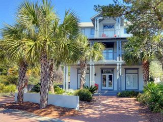 Gulf Side of 30a with Private Pool - Nearby Shopping & Dining in Rosemary Beach