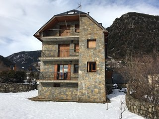 Quite apartment in Pirineo, Parzan