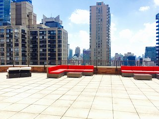 Times Square Luxury Penthouse 3BR 2BA+Huge Terrace 24hr Doorman City& River View