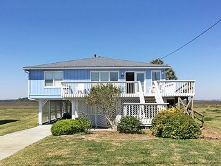 BelleMare - Steps from the Beach and Many Amenities, Folly Beach