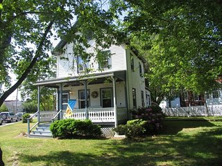 PET FRIENDLY CLOSE TO BEACH AND TOWN 117040