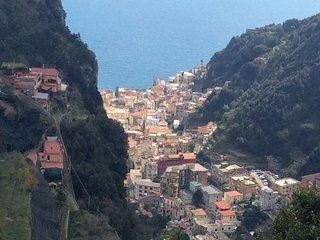 AMALFI SKYLINE una finestra su Amalfi