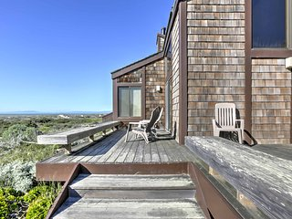 Private Moss Landing Condo w/Deck & Dune Views