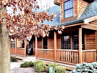 Cozy 3BR Saugatuck Cabin For All Seasons!