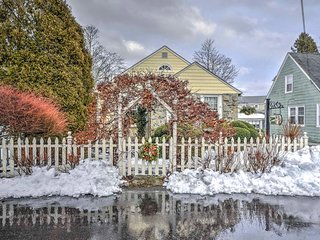 New! Cozy 2 BR Newport Cottage - Mins from Beach!