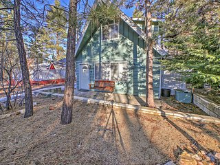 NEW! Quiet 2BR Sugarloaf Cabin - Near Main Street!